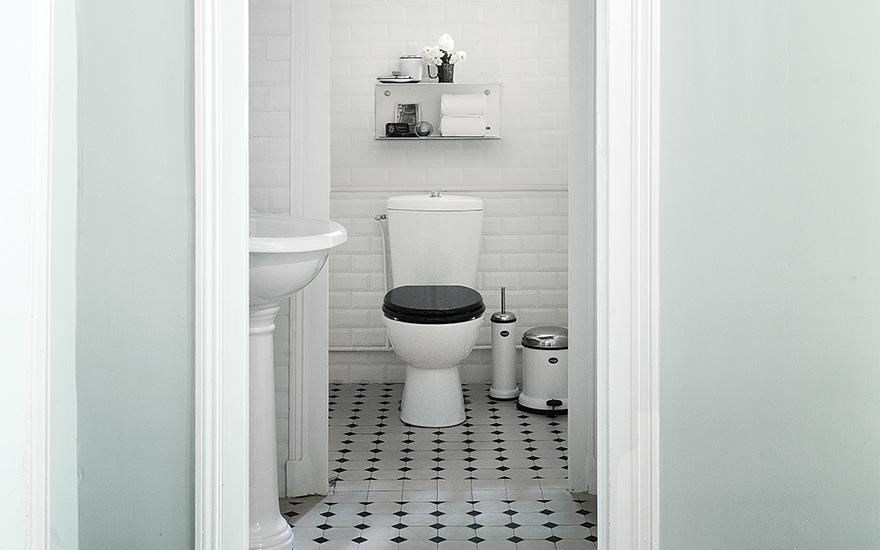 Vipp Toilet Brush : Vipp toilet brush quasi modo modern furniture toronto